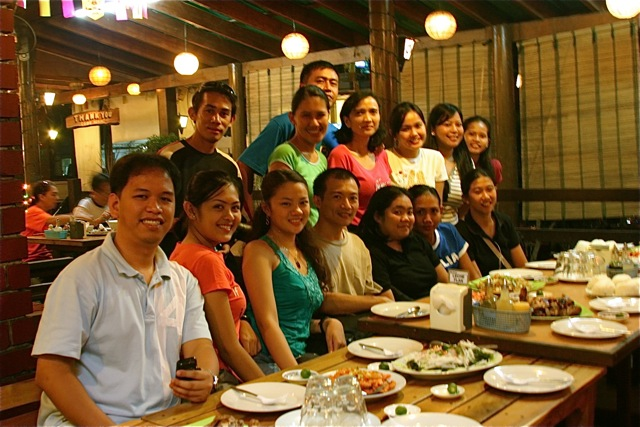 GenSan & Davao Bloggers with Ram's owners