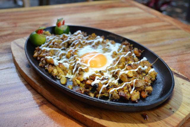Tambilawan Halal Restaurant chicken sisig