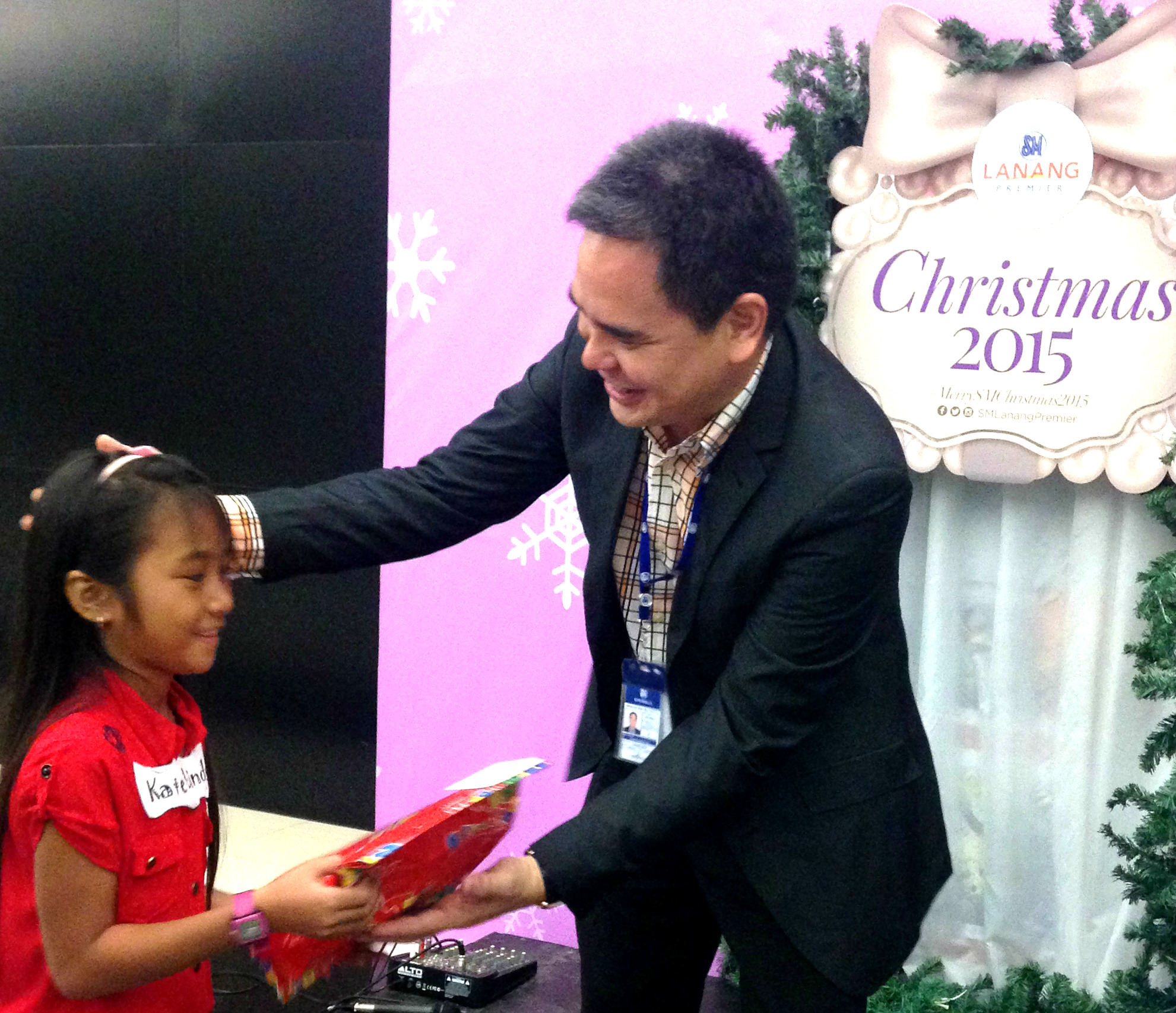 SM Supermalls make kids smile thru ChriSMiles